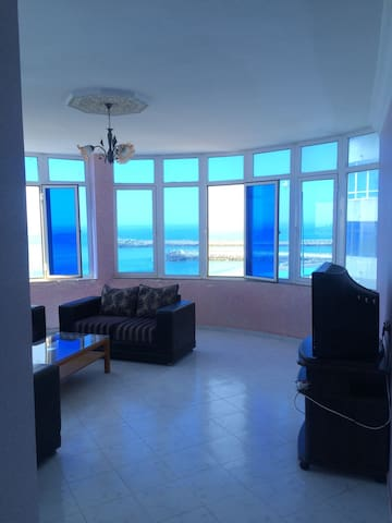 Beautiful apartment with uninterrupted sea views! - Ghaba el Araich - อพาร์ทเมนท์