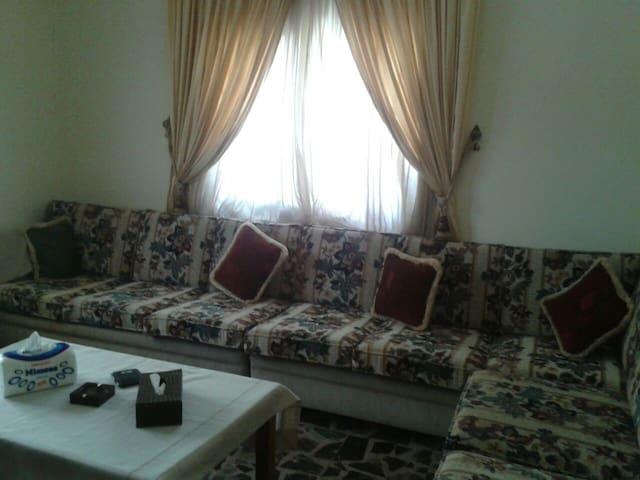 Clean & Comfy - Qartaboun - Apartemen