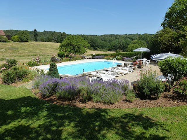Le Papillon - 3 bedroom stone gite in the country