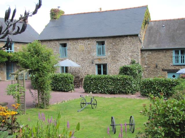 Merlin gite Gomene Central Brittany - Gomené - Casa