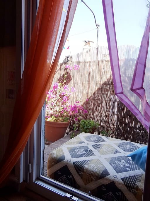 terrasse vue de la petite chambre