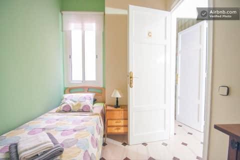 Single room in Plaza España
