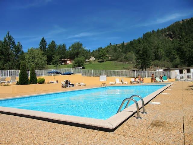 Gîtes avec piscine en provence - Clamensane - Chalet