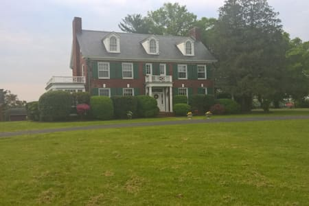 Lynn Haven Manor- Summer's Breeze - Unionville - Bed & Breakfast