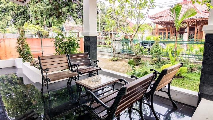 Vacation House in Sultan Palace Area