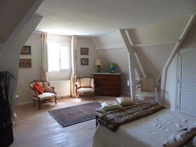 Maison contemporaine tout confort - Moyaux