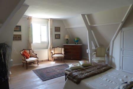 Maison contemporaine tout confort - Moyaux - Вилла