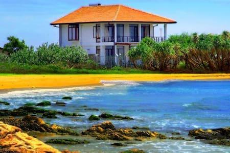 Nilaveli Bay Villa - Nilaveli,Trincomalee