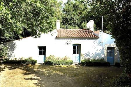 Maison traditionelle vendéenne - La Garnache - Haus