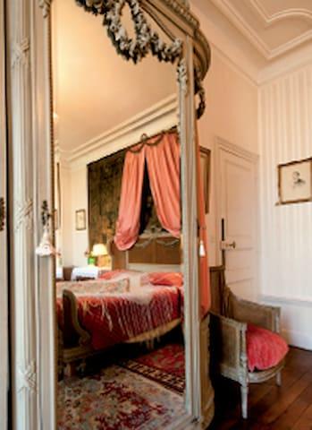 Ch Madame au Domaine Loisy - Dijon - Talo