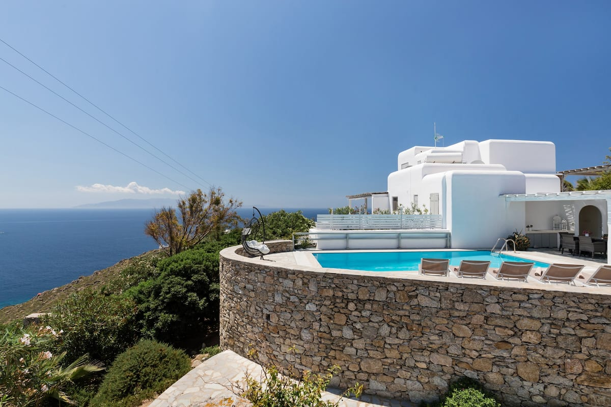 Gorgeous Villa Superb Views of Nammos, Psarrou Beach