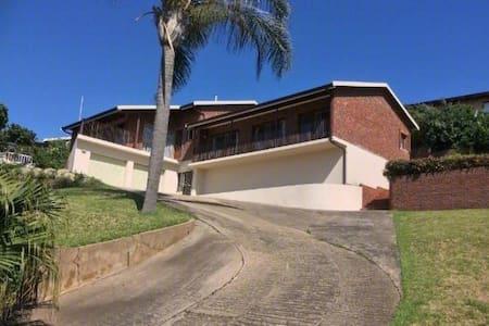 Zinki Beach House on Palm - Nkwazi