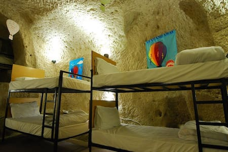 Millennia-old Cave Dorm 3 @Göreme - Göreme - Grotta
