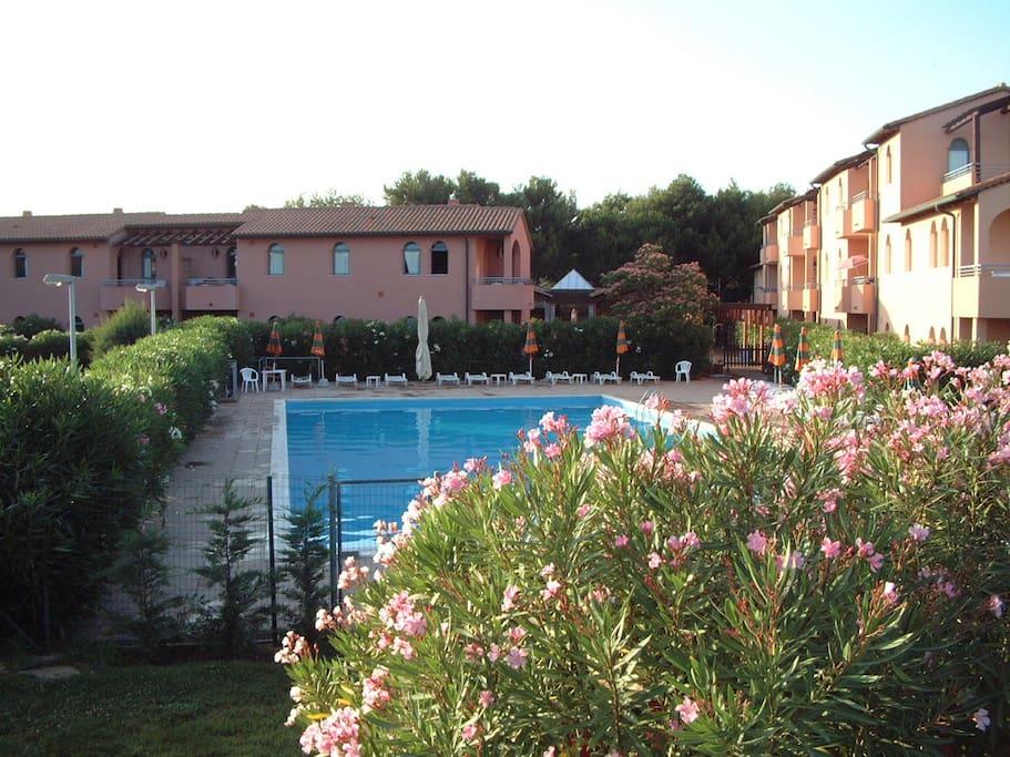 Il Residence e la piscina