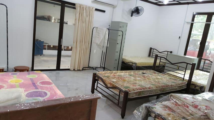 Single/double/family room in rawang - Rawang - House
