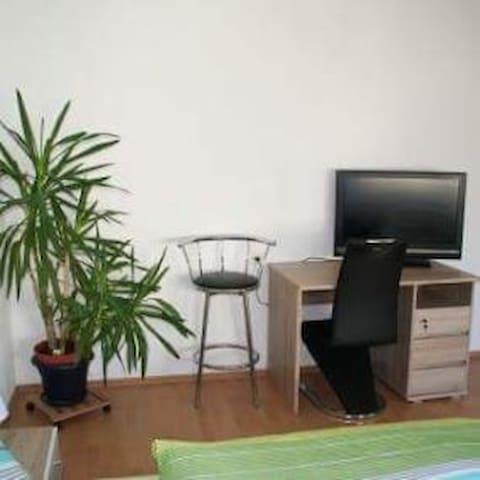 Monteurzimmer 1 - Mietingen - Flat