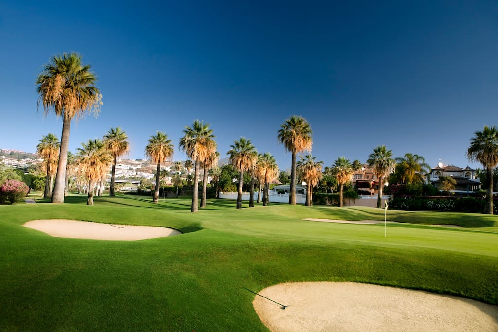 Golf Valley of Nueva Andalucia: Only 15 minutes from the property.