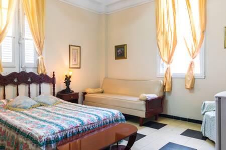 Renta una habitación en el Centro de la Habana. - La Habana