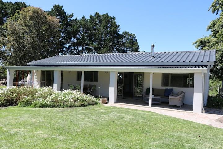 Starling Cottage - a modern spacious farmhouse