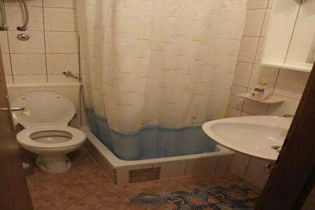 Apartments Villa Ivanka / Studio A7 - Seget Donji