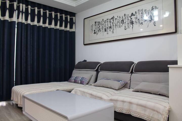温馨一居室大床房 - Qingdao - House