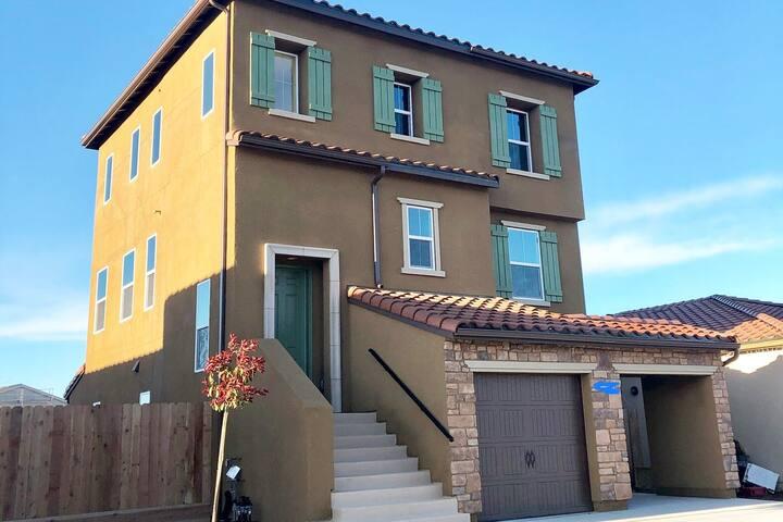 GEM in Merced! Brand new house! Private bathroom!