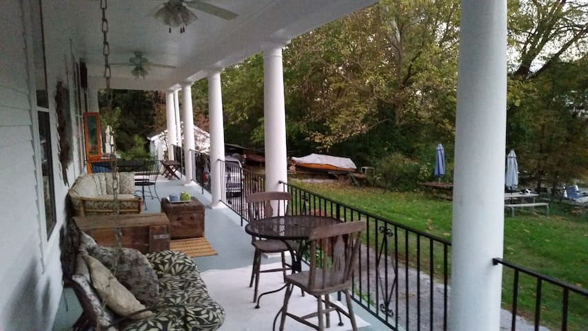 Relax on the porch overlooking the Kentucky River.