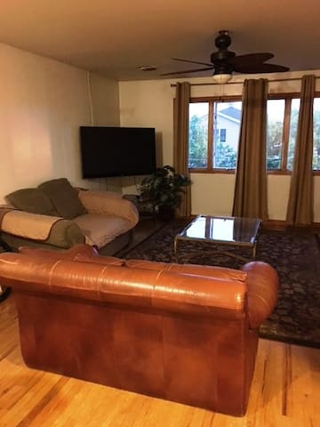 Nice, Quiet, Fully equipped 1 Bedroom in Newark-NJ