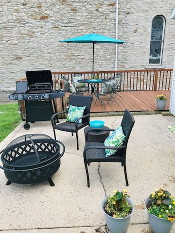 Fenced in Back Yard with Deck, New Grill and Firepit