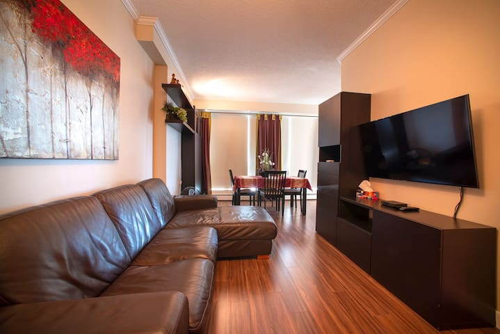 Modern 2 bedroom downtown unit with air condition