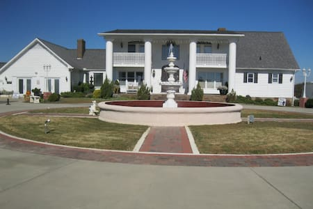 THE COKER RANCH - Lancaster - Bed & Breakfast