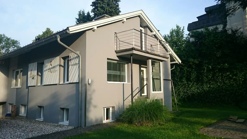 60m2 app. right in the center, private parking - Velden am Wörthersee - Apartamento