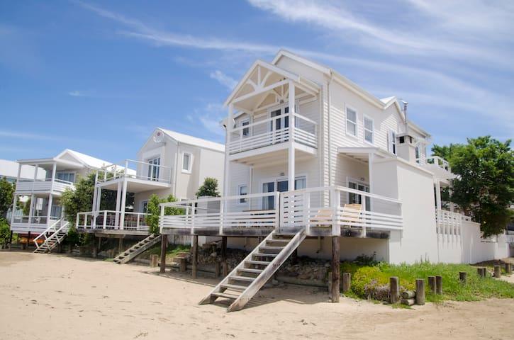 Beach House on Thesen Island - Knysna - House