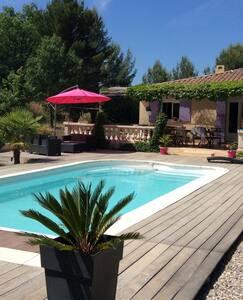 Belle villa PROVENCE Piscine 8 pers - Auriol - Villa