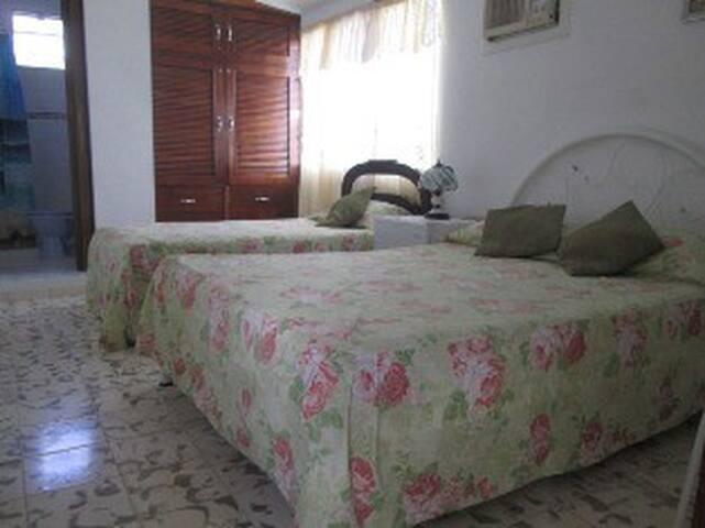 Hostal Bayamo-Room2