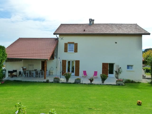 GITE LE GRAND VIRAGE - CAMPAGNE LAC - Charavines - House