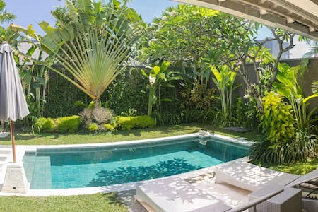IRMA 2 bedrooms Villa in the heart of Seminyak. - South Kuta - Vila