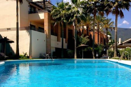 Stunning 1 Bedroom Apartment Benahavis R133 - Benahavís