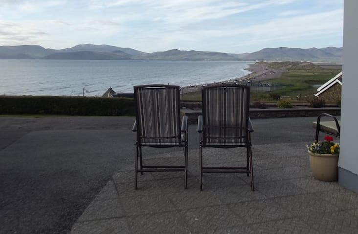 ROSSBEIGH BEACH HOUSE BED AND BREAKFAST