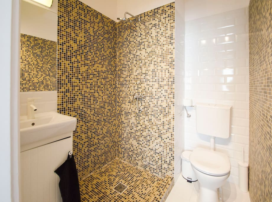 the apartment is fully equipped, you will have everything you might need during your stay from hairdryer, to a washing machine and a fully equipped kitchen
