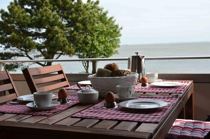 Traumwohnung mit Meerblick-Terrasse