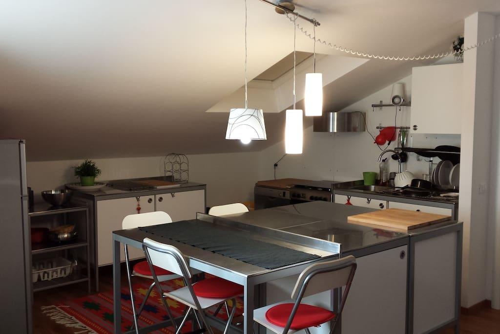 cucina abitabile inox lavastoviglie