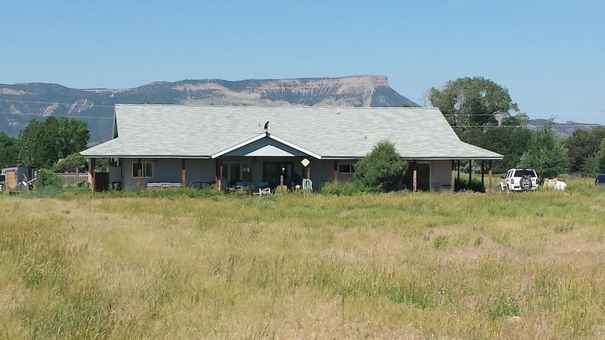 Private Apartment with Big Mountain View - Mancos - Apartment