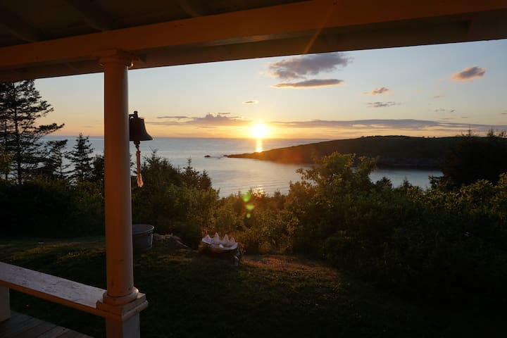 Ocean View: Sunsets Galore - Peace and Quiet