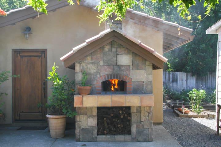 Tuscan Villa w/ Pizza Oven & Bocce - Healdsburg - Villa