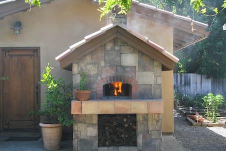 Tuscan Villa w/ Pizza Oven & Bocce - ヒールズバーグ - 別荘