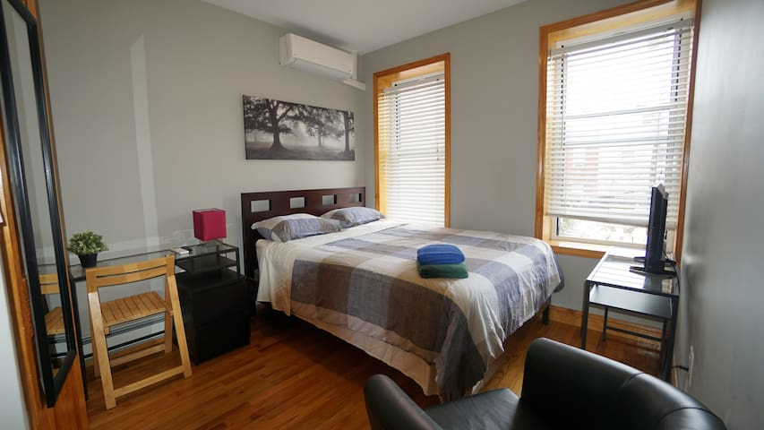 Clean and Sunny room near Midtown Manhattan