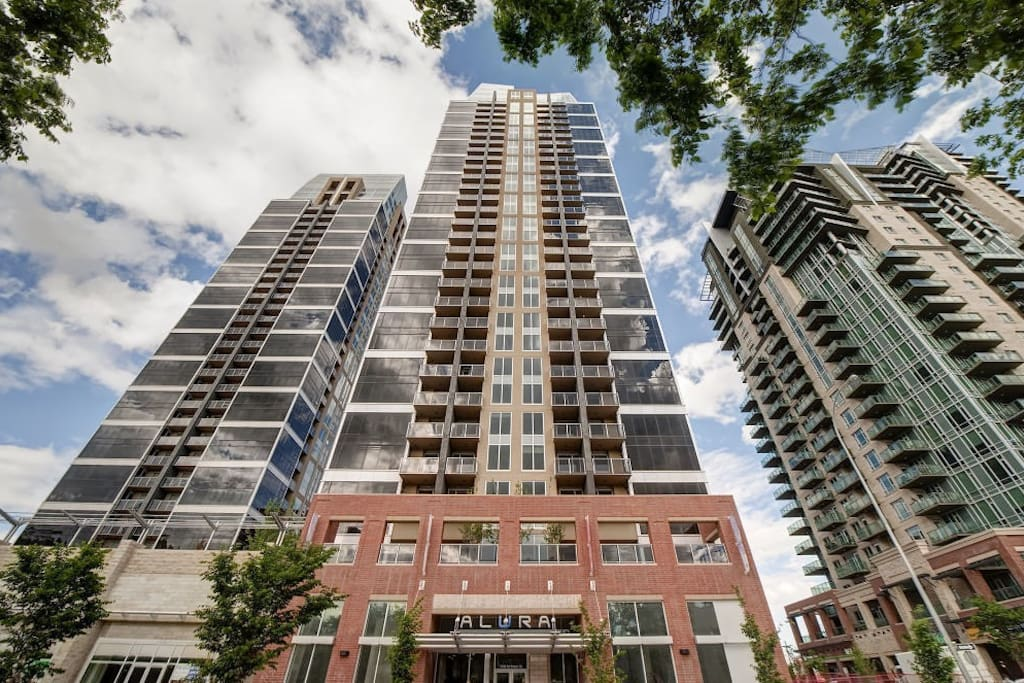 Brand new downtown apartment by Stampede ground