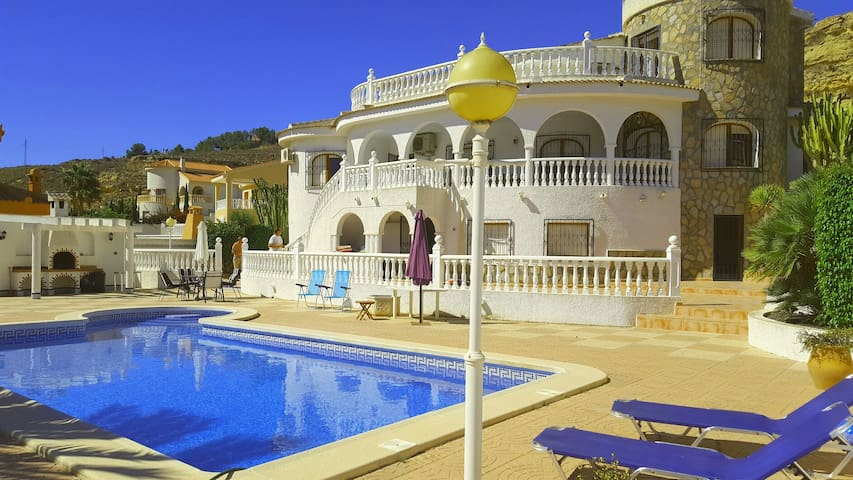Luxurious 4 bedroom villa - Rojales