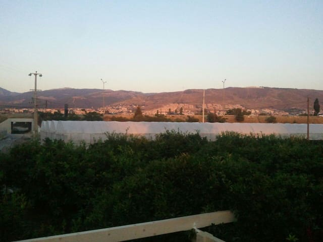Guzelbahce doga icinde ahsap ev - İzmir